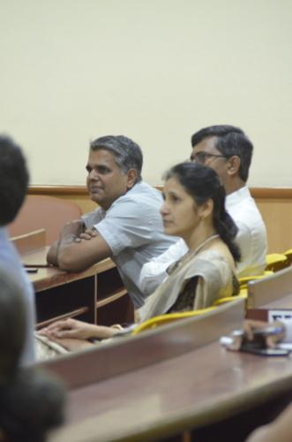 Dr. Prakash Narayan fully involved in the session