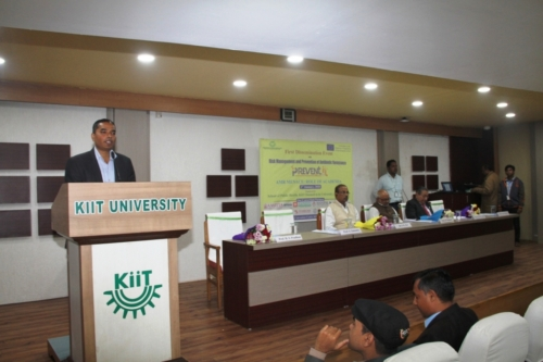 Dr. Himanshu Shekhar Pradhan introducing about the project to the audience at KIIT university